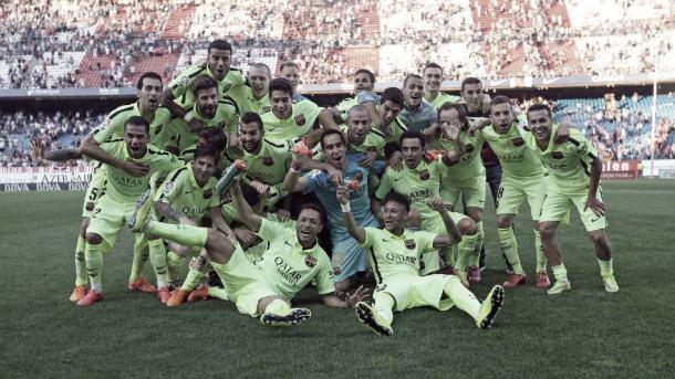 Jugadores del Barça celebrando el titulo de Liga. Foto: FCBarcelona