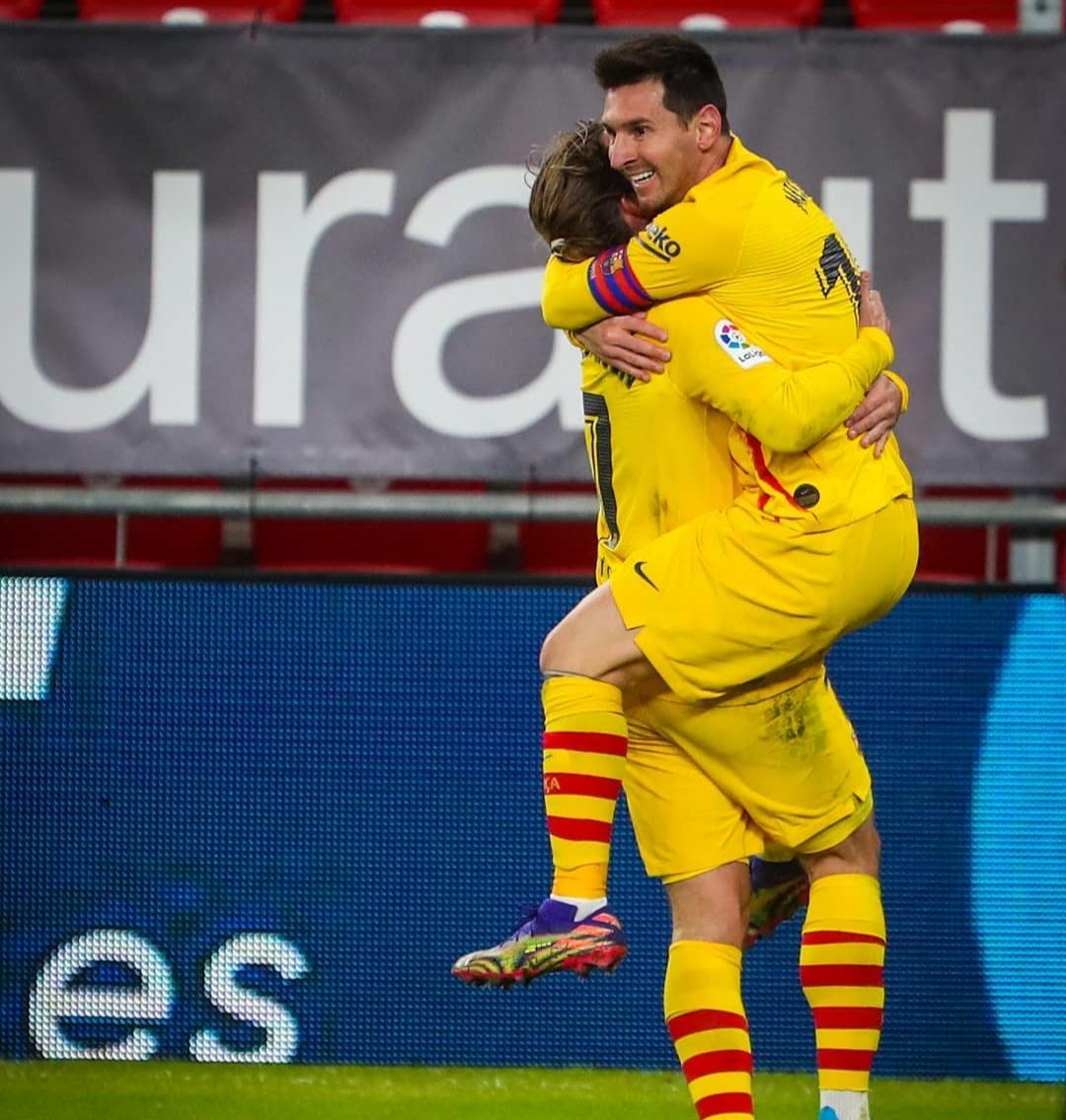 Messi y Griezmann celebrando el gol  FUENTE: INSTAGRAM: @fcbarcelona