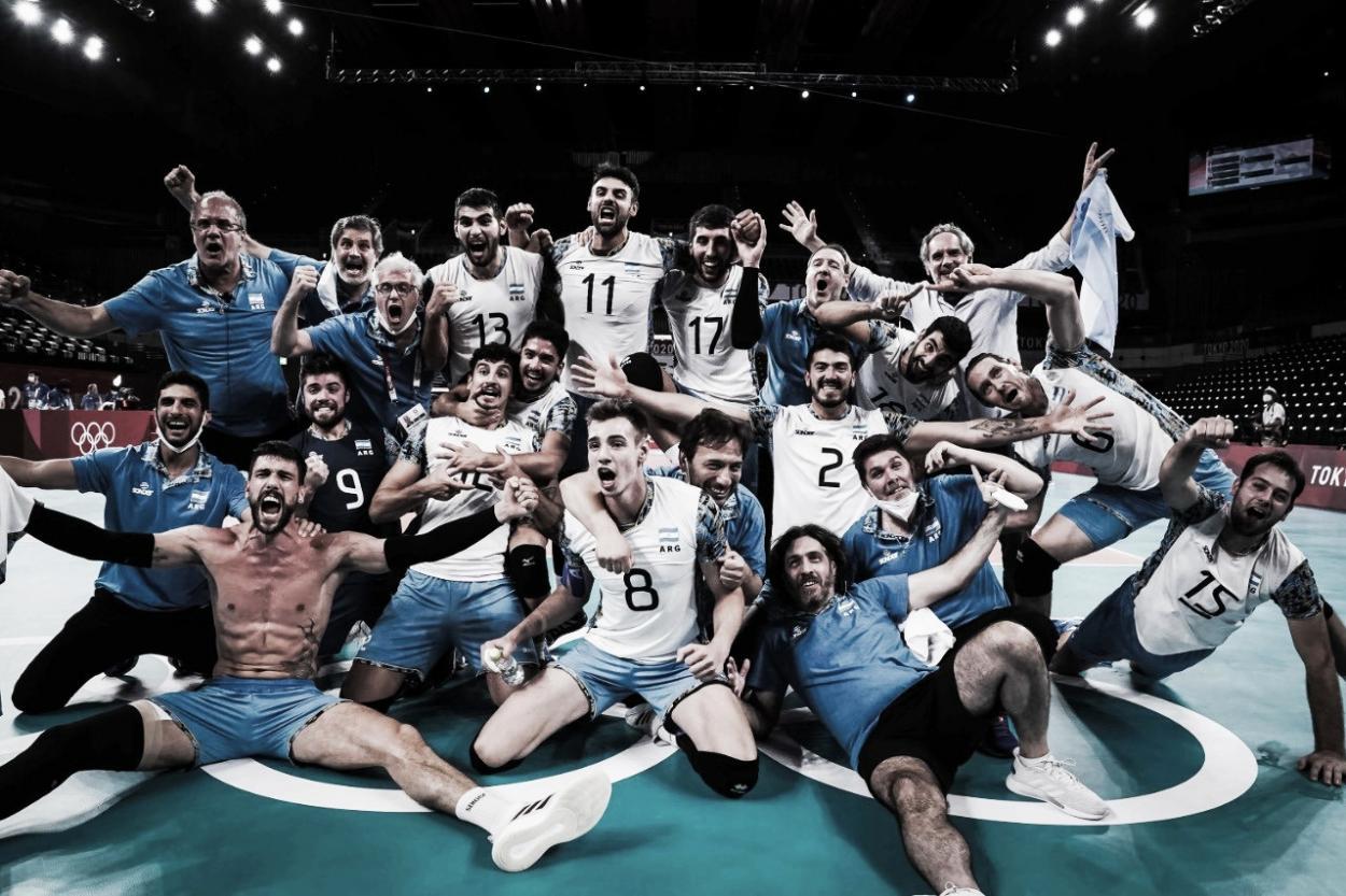 El equipo argentino festejando el triunfo ante Brasil