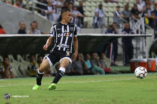 Titular do Ceará, meia Lima avisa que equipe visará triunfo frente Oeste (Foto: Lucas Moraes / cearasc.com)