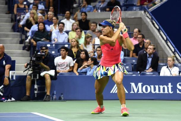 Angelique Kerber hits a backhand during her semifinal match at the US Open. (Photo: Garrett Ellwood/USTA)