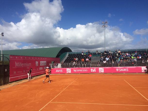 João Monteiro playing at Court Cascais at the Millennium Estoril Open. (Photo by Pedro Cunha / VAVEL USA)