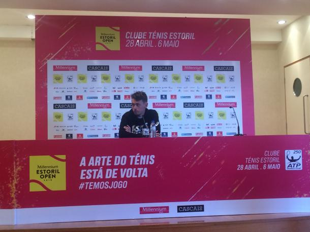 Alex De Minaur at the post-match press conference at the Millennium Estoril Open (Photo by Pedro Cunha / VAVEL USA)