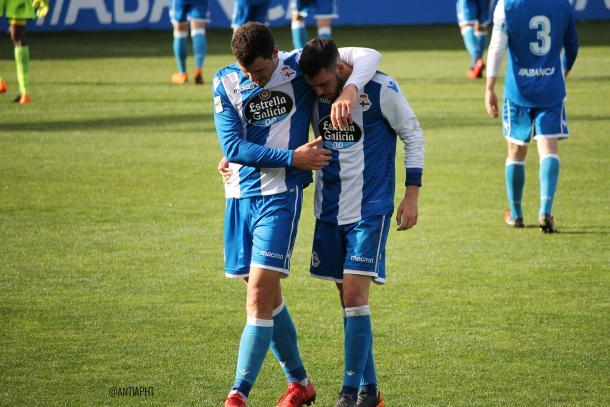 Uxío y Edu, los goleadores del partido. | Imagen: Antía Simón Aguado.