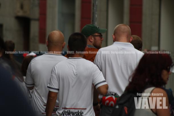 Aficionados del Legia de Varsovia en las inmediaciones de la Puerta del Sol. | FOTO: Fernando Navarro - VAVEL España