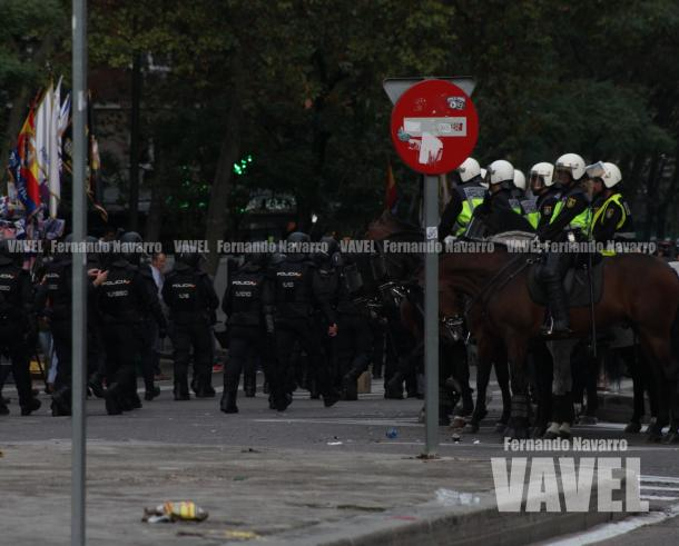 La Policía cargaba contra los radicales polacos. | FOTO: Fernando Navarro - VAVEL España