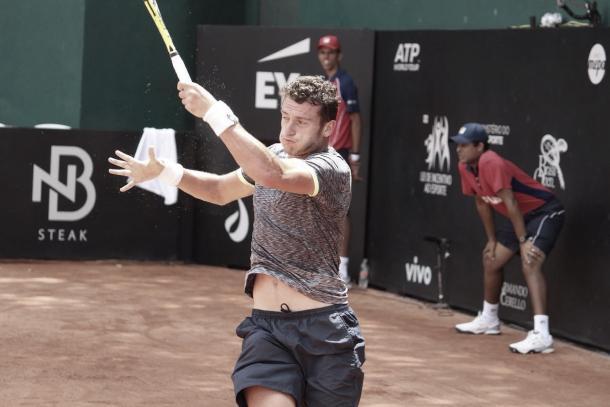 Alessandro Giannessi da Itália em quadra no Brasil Open/ Foto: Renato Miyaji/ VAVEL Brasil