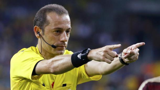 Cuneyt Cakir, arbitro della gara