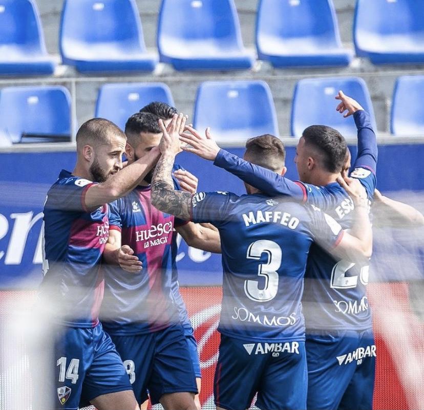 Jugadores del Huesca celebrando un gol   Fuente: SD Huesca
