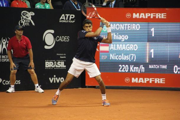 Monteiro em ação no Brasil Open/ Foto: Renato Miyaji/ VAVEL Brasil