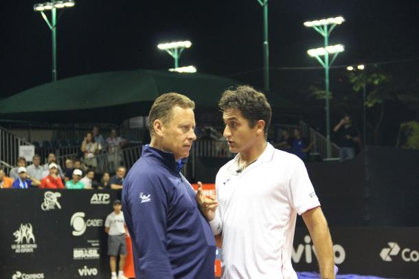Almagro discute com Lars Graff/ Foto: Renato Miyaji/ VAVEL Brasil
