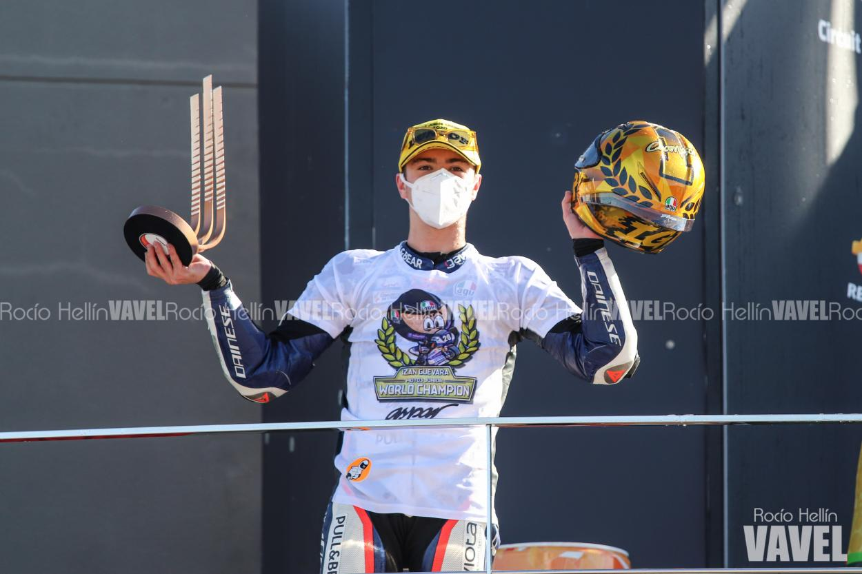 Celebración del pódium que le proclamaba Campeón. Foto: Rocío Hellín   Vavel España.