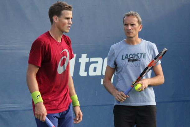 Vasek Pospisil and Frédéric Fontang during a practice session ahead of the 2016 Rogers Cup. | Photo: Max Gao