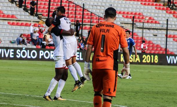 Diego Jiménez festejando su primer gol en Liga MX | Foto: Prensa Club Lobos BUAP