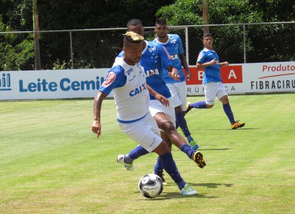 Rafael Silva tem sido prejudicado constantemente com dores na lombar (Foto: Matheus Adler/VAVEL Brasil)