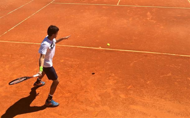 Leonardo Mayer practicing today on a hidden court at the Millennium Estoril Open. (Pedro Cunha/VAVEL)