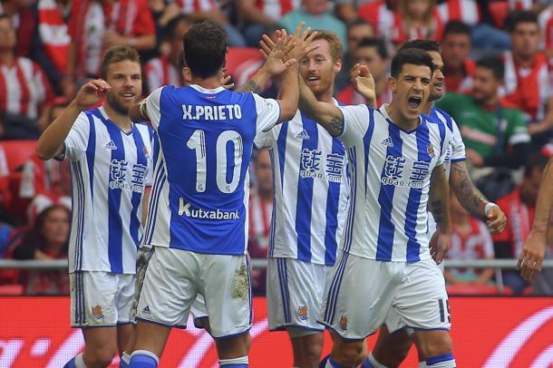 Los jugadores de la Real celebran el primer tanto del encuentro | Foto: Oscar Alonso