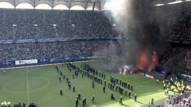 Los ultras del Hamburgo descontentos ante el descenso I Foto: Prensa Bundesliga