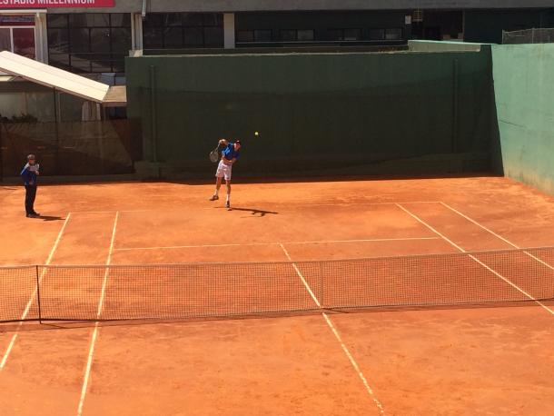 Kevin Anderson practicing at the Millennium Estoril Open 2017 (Photo by Pedro Cunha / VAVEL USA)