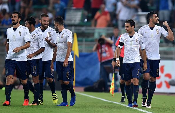 Gli Azzurri dopo il gol di Pelle alla Francia. Fonte foto: giornalettismo.com