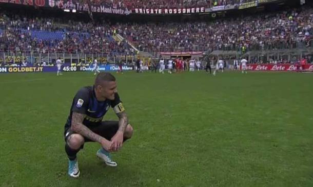 La disperazione di Icardi dopo il 2-2 del Milan.
