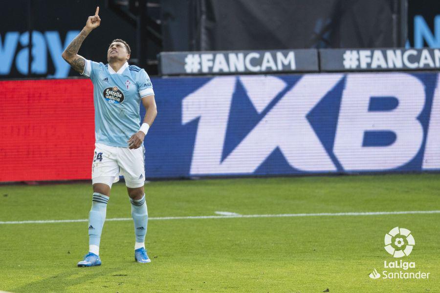 Renato Tapia celebrando su gol frente a Osasuna   Fuente: RC Celta