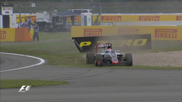 The end of the session involved a spin for Romain Grosjean (Image Credit: @F1 Twitter)