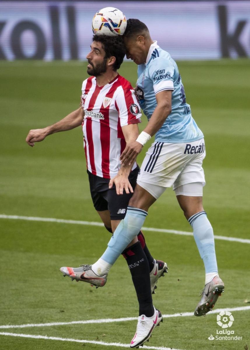 Renato Tapia y Raúl García | Fuente: La Liga