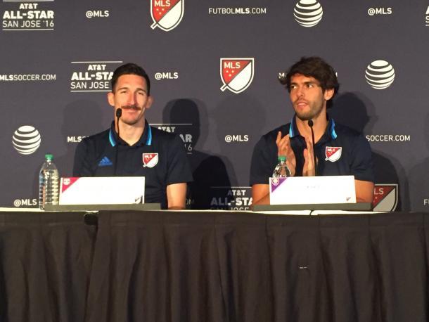 Kljestan y Kaka en rueda de prensa (Imagen: @mls)