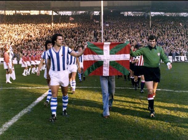 Imagen del histórico derbi disputado en 1975 (Foto: Archivo fotográfico de Ricardo Criado