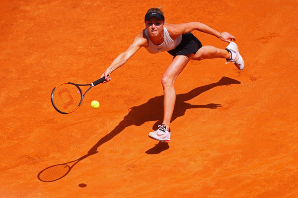 Svitolina tracks down the ball (Image source: Dean Mouhtaropoulos/Getty Images Europe)
