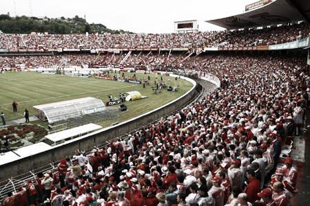 Torcida Colorada lotou o antigo Beira-Rio para ver mais uma conquista (Foto:Alexandre Lopes/SC Internacional)