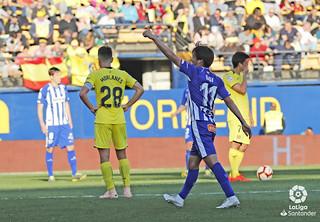 Inui celebrando un gol frente al Villarreal | FUENTE: Deportivo Alavés