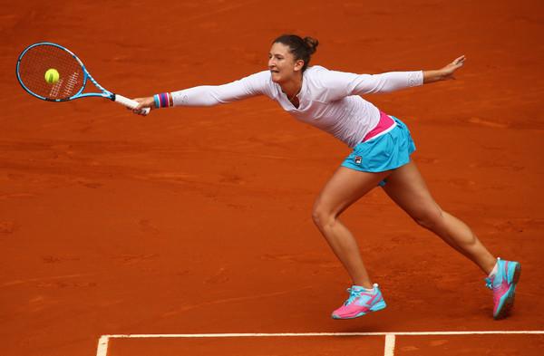 Irina-Camelia Begu started the match well but was unable to maintain her high quality of play | Photo: Clive Brunskill/Getty Images Europe