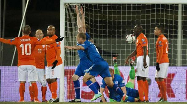Les Néerlandais dépités après le 2ème but islandais (Source: getty/images)