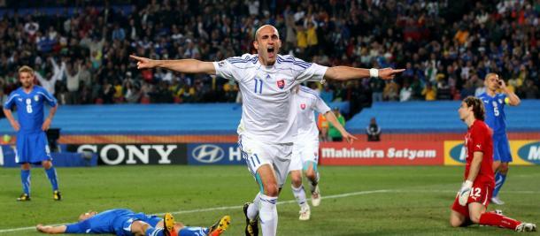 Robert Vittek fue elegido el mejor del partido en la eliminación italiana. Fuente: FIFA.