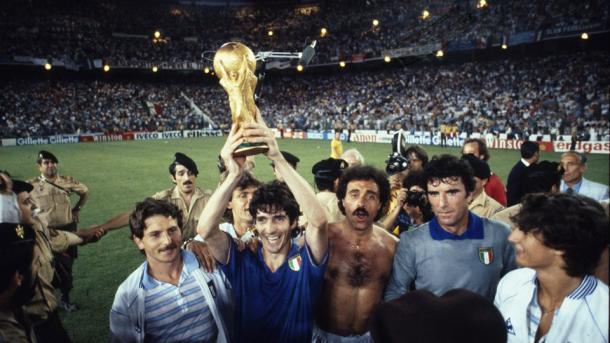Los italianos, celebrando su tercer Mundial en el Bernabeu (Foto: es.fifa.com)