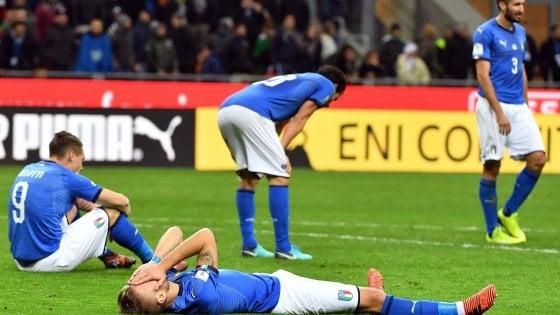 Los jugadores italianos desolados tras la derrota   Foto: FIGC
