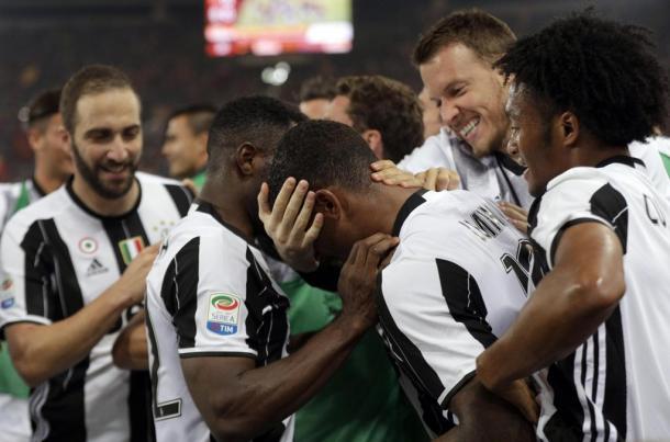 L'esultanza dei giocatori della Juve dopo il gol di Lemina. Foto: La Stampa