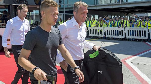 Kimmich arrived in Paris with the rest of the Germany squad. | Image source: FB.de