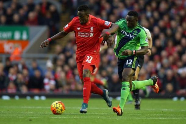 Divock Origi and Victor Wanyama challenge for the ball earlier this season (image via: liverpoolecho)