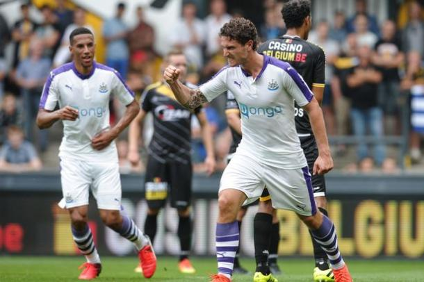 Janmaat reportedly want a move away from club, but he still looks delighted to score (Photo: Newcastle United)