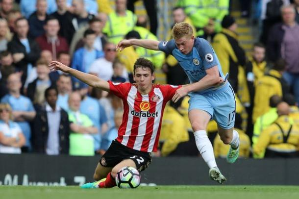 Donald Love targeting Sunderland's right-back role following move from Manchester United | photo: nvs24.com