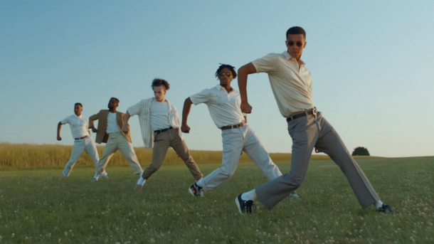 Will West es el bailarín principal de 'Heavy, California' | YouTube