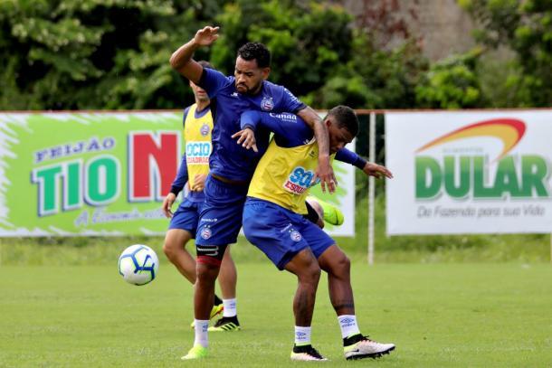 Zagueiro Jackson volta à disposição de Roger (Foto: Felipe Oliveira/EC Bahia)