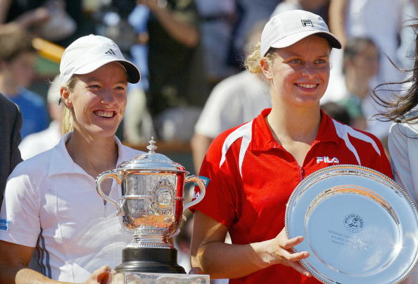 Henin and Clijsters after the French Open title (Getty/AFP/Jacques Demarthon)