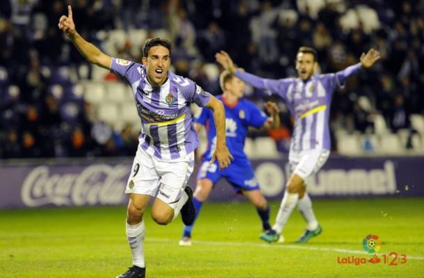 Jaime Mata celebra su gol ante el Real Oviedo, en el partido que supuso el cambio de chip en los carbayones. | Imagen: La Liga