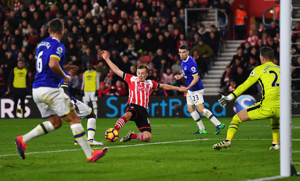James Ward-Prowse wasted a couple of great opportunities to put the game beyond Everton. Photo: Getty (Mike Hewitt).
