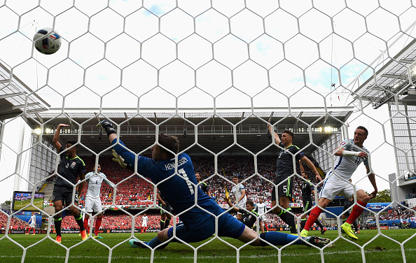 Vardy scored just minutes after coming on | Photo: Matthias Hangst/Getty Images Sport
