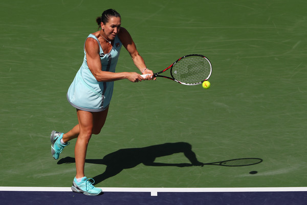 Jelena Jankovic hits a backhand in Indian Wells. Photo: Julian Finney/Getty Images